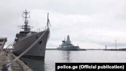 Натовские корабли в порту грузинского города Поти (архив)