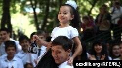 Первый звонок в одной из школ Узбекистана.