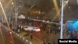 Більшість учасників протестів, які вийшли на демонстрації біля кількох університетів, – студенти