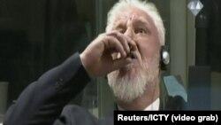 Cлободан Праляк п'є невідому рідину, яку називає «отрутою», 29 листопада 2017 року