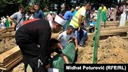 Похорони 284 жертв військових злочинів у Боснії та Герцеговині, 20 липня 2014 року