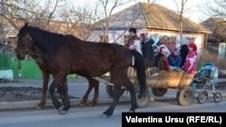 Cu căruța la Soroca.