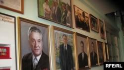 В доме-музее Динмухамеда Кунаева.