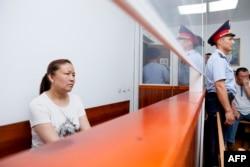 Сайрагүл Сауытбай Панфилов аудандық сотында отыр. Алматы облысы, 13 шілде 2018 жыл.