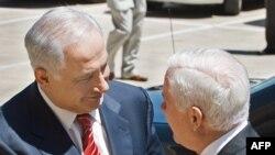 رابرت گیتس و بنیامین نتانیاهو نخست وزیر اسرائیل. واشینگتن ۱۹ ماه مه سال ۲۰۰۹