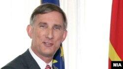 Macedonia-U.S. Ambassador to Macedonia Volers Paul met with Foreign Minister Nikola Popovski