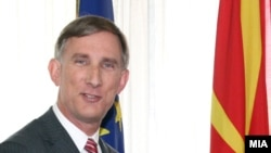Амбасадорот на САД во Македонија, Пол Волер