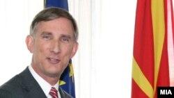 Амбасадор на САД во РМ Пол Волерс