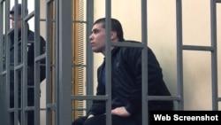 Редван Сулейманов в суде, архивное фото