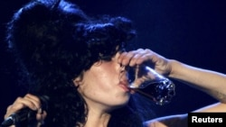 Late singer Amy Winehouse performs had struggled with drug and alcohol addiction for years.