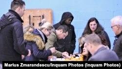 Голосування румунів за кордоном почалося два дні тому. На фото – виборча дільниця в Лондоні