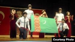 Türkmen studentleri.