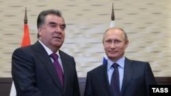 Тожикистон президенти Эмомали Раҳмон ва Россия президенти Владимир Путин.