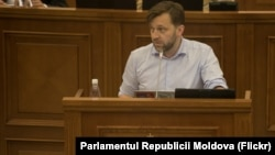 Думитру Алайба в парламенте Республики Молдова