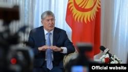 Президент Кыргызстана Алмазбек Атамбаев на пресс-конференции в 2016 году.