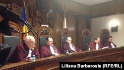 La o ședință a Curții Constituționale