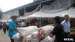 Таджикский обыватель озабочен хлебом насущным. Высокие материи ему доступно разъяснит государство