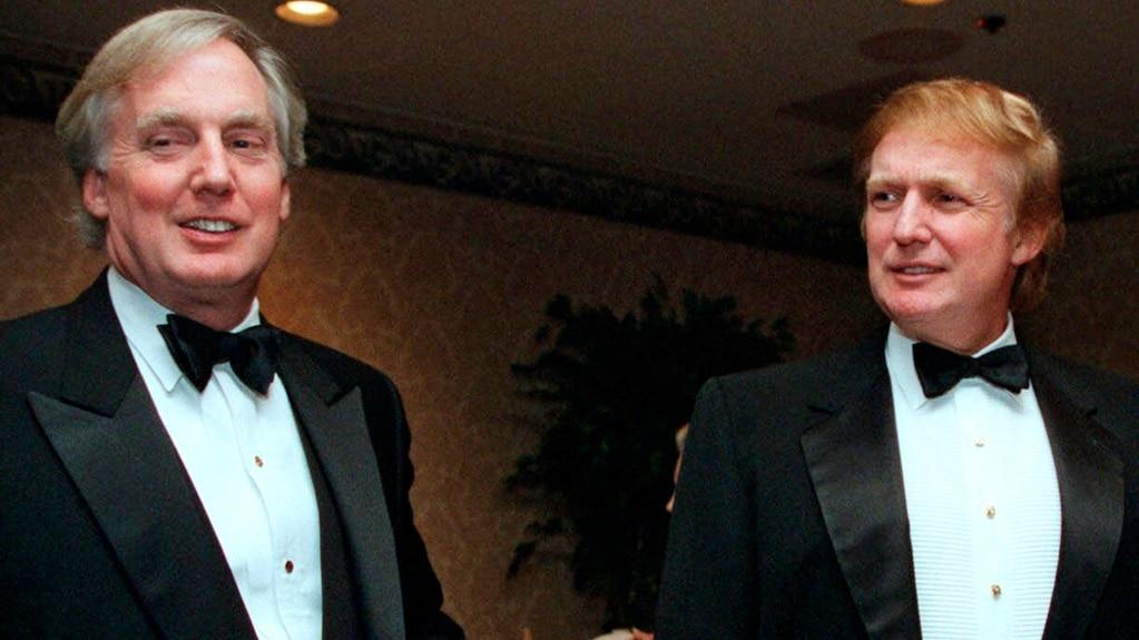 Дональд Трамп із молодшим братом Робертом (зліва)