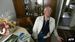 Truproja e Hitlerit deri në orët e fundit të jetës së liderit nazist, Rochus Misch