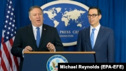 U.S. Secretary of State Mike Pompeo (left) and U.S. Treasury Secretary Steven Mnuchin announce sanctions against Iran during a news conference at the Foreign Press Center in Washington, D.C., on November 5.