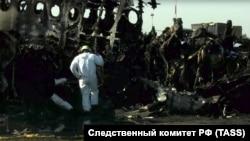 Лицом к событию. Молния, огонь, чемоданы: почему в самолете погибло так много людей?