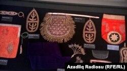 Iki gənc Azərbaycanı gəzib qədim əşyaları toplayıblar - [Fotolar]