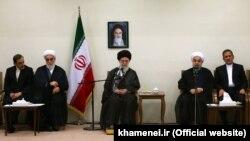 دیدار آیتالله علی خامنهای با اعضای هیات دولت ایران