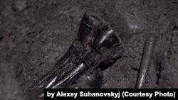 1989 жылы Архангельскіде жер қазу жұмыстары кезінде адам сүйектерімен бірге құрбан болғандардың жеке заттары да табылған.