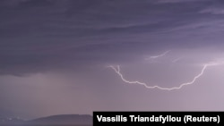 Oluja nad ostrvom Evija, 23. jun