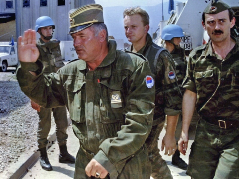 Image result for ratko mladic u srebrenici fotos