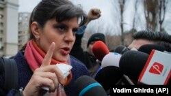 Властите в Румъния се опитаха да саботират изслушването на Кьовеши в комисия на ЕП, но тя все пак излетя за Брюксел.