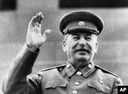 """'Na tom sastanku Staljin (na fotofgrafiji) je počeo da vrši na nas pritisak da prihvatimo - i to """"još sutra"""" - federaciju sa Bugarskom.'"""