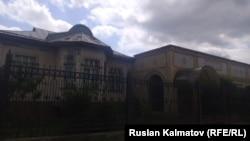 Дом сына Кадыржана Батырова в Джалалабаде.