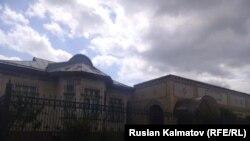 Қырғызстан кәсіпкері Қадыржан Батыровтың Жалал-Абадтағы үйі.