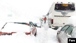 بارش شدید باعث بسته شدن راهها در استان گیلان شد