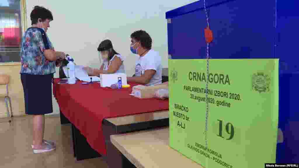 Glasačko pravo u Crnoj Gori ima 540.026 građana.