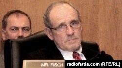 سناتور جمهوریخواه جیمز ریش، این قطعنامه را ارائه کرده است