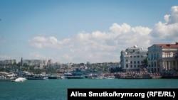 Російські кораблі на параді до Дня ВМФ у анексованому Севастополі