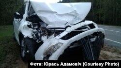 Машына, у якой ехала Марына Адамовіч, пасьля аварыі.
