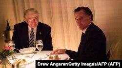 آقای رامنی و ترامپ در هنگام شام با یکدیگر برای دومین بار طی دو هفته گذشته گفتوگو کردهاند