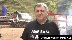 Zoran Stojanović iz Toplog Dola: Zajedno sa vatrogascima gasimo požar