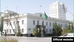 Türkmenistanyň Zähmet we ilaty durmuş taýdan goramak ministrliginiň binasy