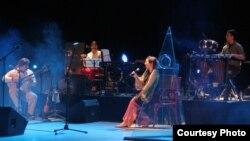 Драган Даутовски со неговиот квартет за време на концертен настап.