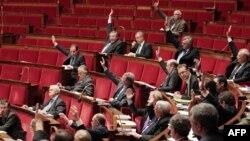 Հայոց ցեղասպանության ժխտման համար քրեական պատիժ սահմանող օրինագծի քվեարկությունը Ֆրանսիայի Ազգային ժողովում, Փարիզ, 22-ը դեկտեմբերի, 2011թ.