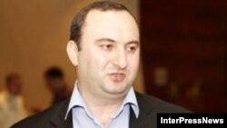 Очередная акция протеста, устроенная представителями НПО и общественности против избрания Левана Мурусидзе на пост судьи, окончилась задержаниями со стороны полиции