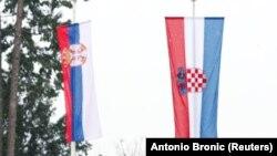 Zastave Srbije i Hrvatske (ilustrativna fotografija)