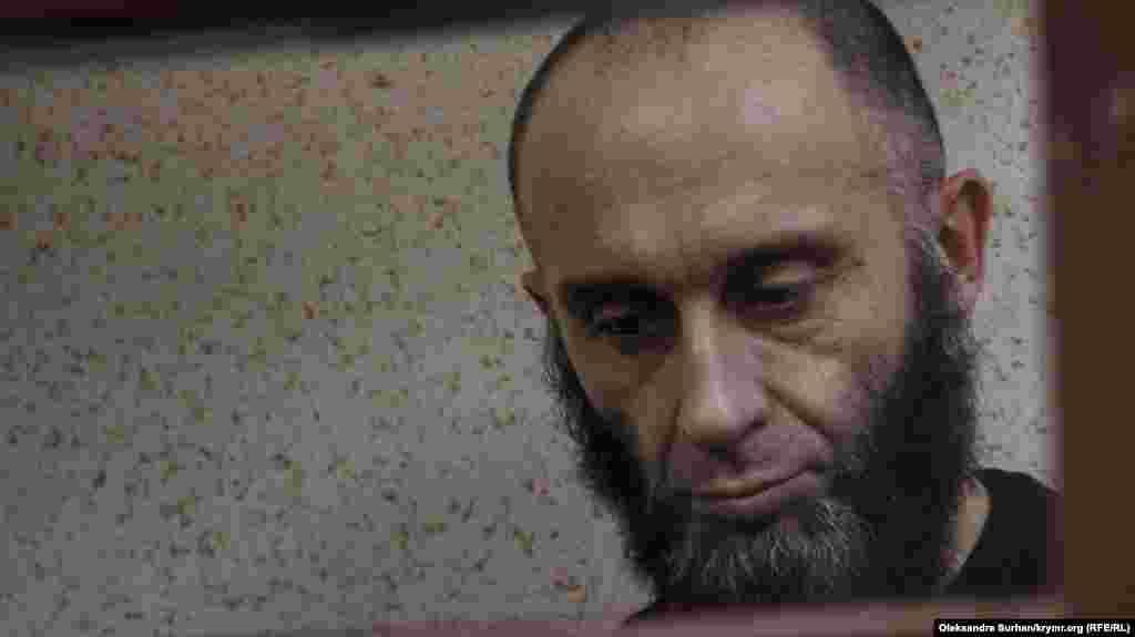 Среди задержанных были также и правозащитники. Например– Риза Изетов. Он защищал нескольких одиночных пикетчиков, которые были оштрафованы в 2017 году