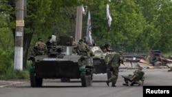 Ուկրաինա - Ռուսամետ զինյալները Սլովյանսկի մերձակայքում, 5-ը մայիսի, 2014թ․