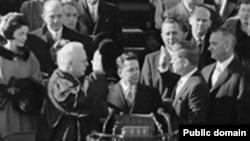 John Fitzgerald Kennedy polaže predsjedničku zakletvu 20. januara 1961. godine