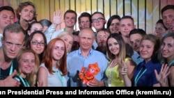 Президент России Владимир Путин во время посещения молодежного форума «Таврида». Крым, 20 августа 2017 года